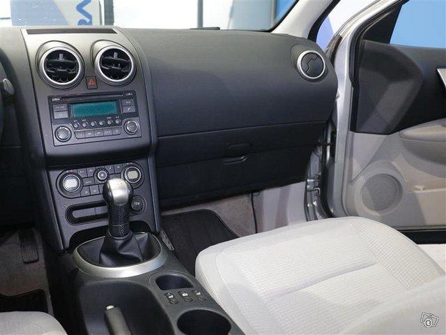 Nissan Qashqai+2 12