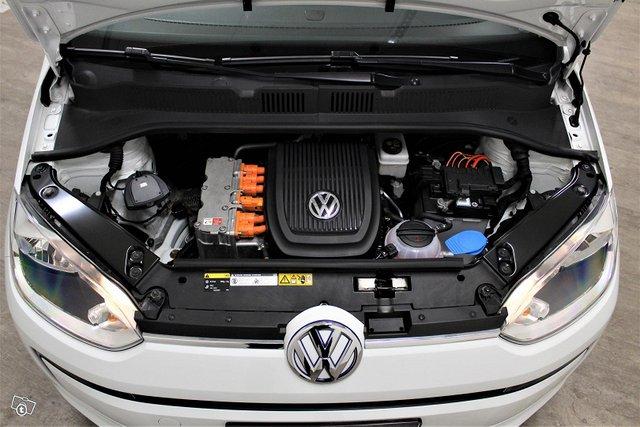 Volkswagen Up 12