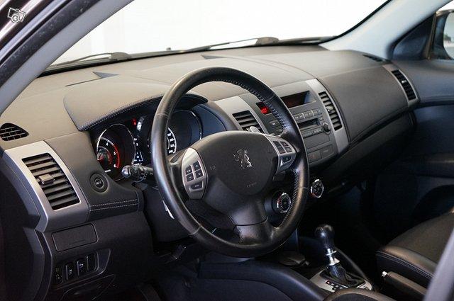 Peugeot 4007 11