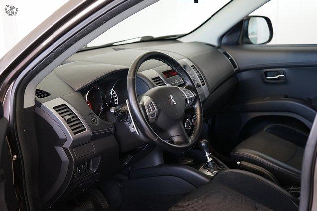 Peugeot 4007 12