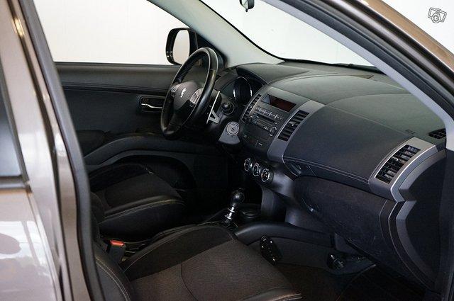 Peugeot 4007 14