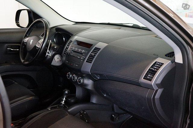 Peugeot 4007 15