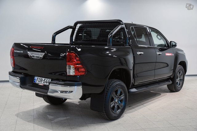 Truckmasters Hilux 5