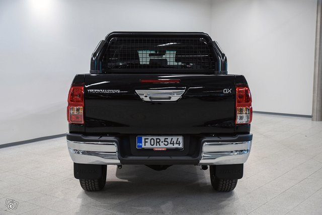Truckmasters Hilux 6