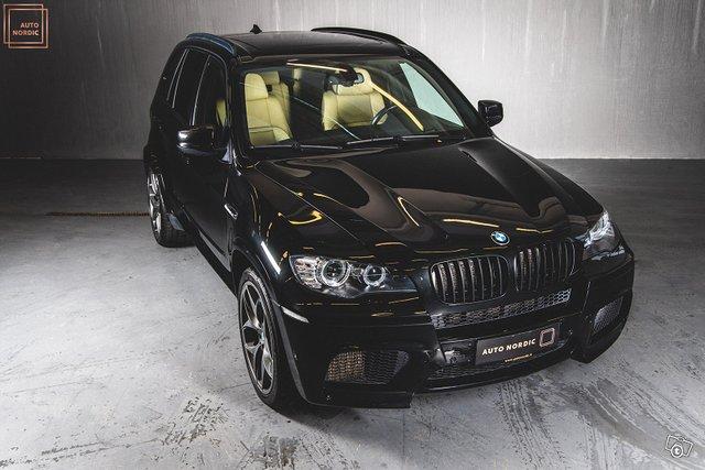 BMW X5 M 8