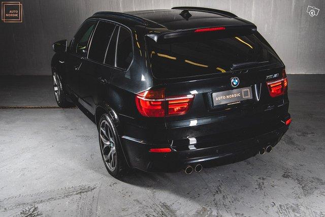 BMW X5 M 9