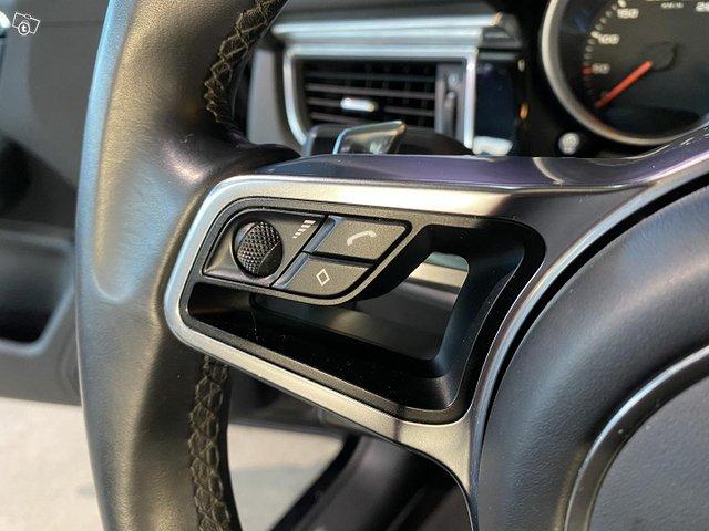 Porsche Macan 15