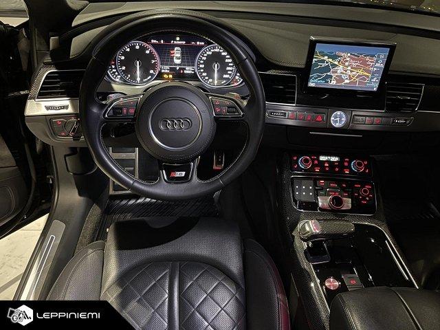 Audi S8 12