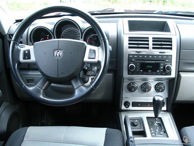 Dodge Nitro 12
