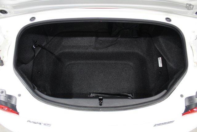 Mazda MX-5 11