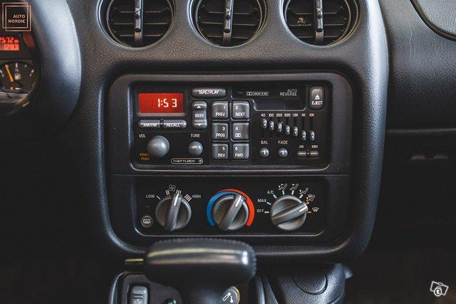 Pontiac Firebird 16