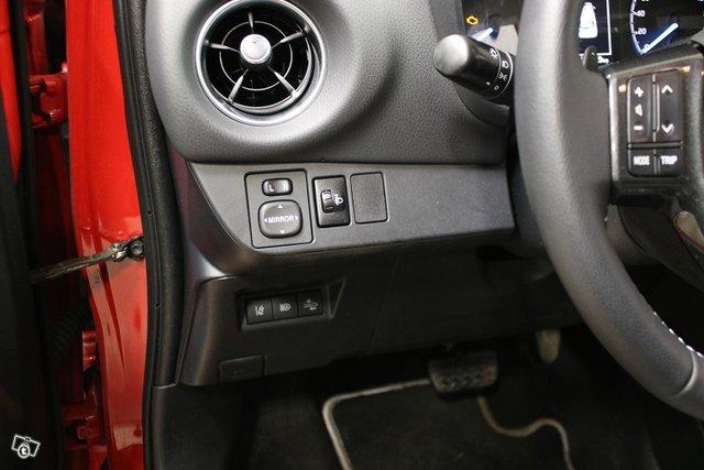 Toyota Yaris 17