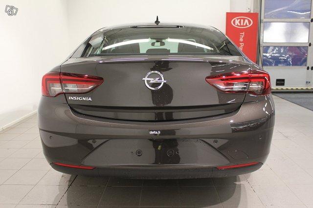 Opel INSIGNIA 19