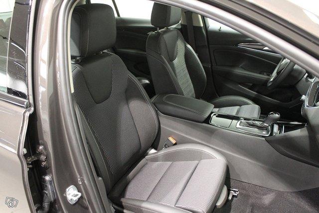 Opel INSIGNIA 21