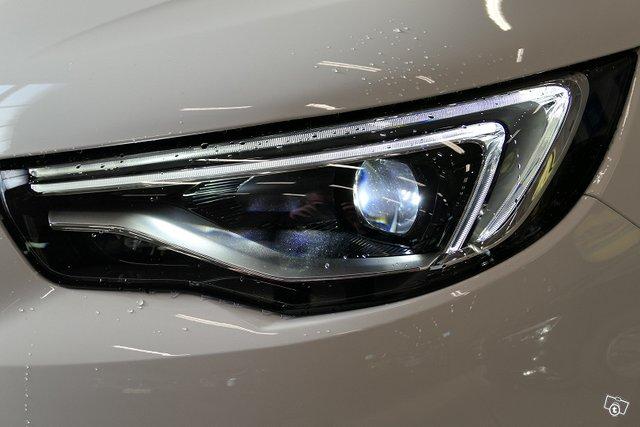 Opel GRANDLAND X 9