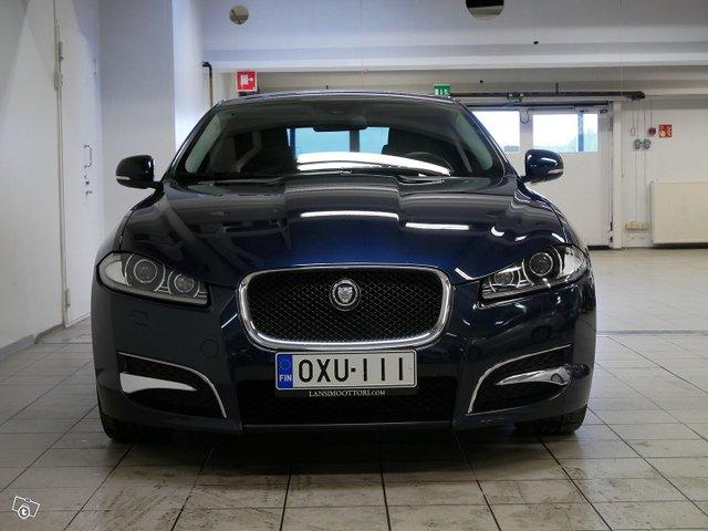 Jaguar XF 3