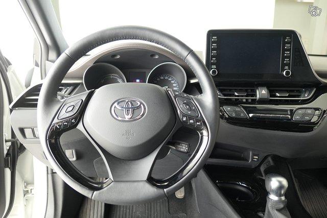 Toyota C-HR 13