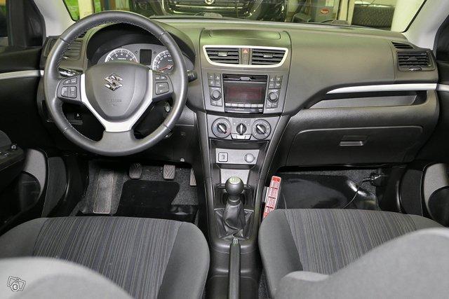 Suzuki Swift 11