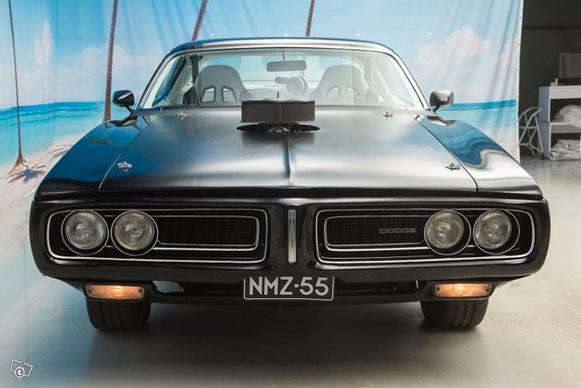 Dodge Charger 9