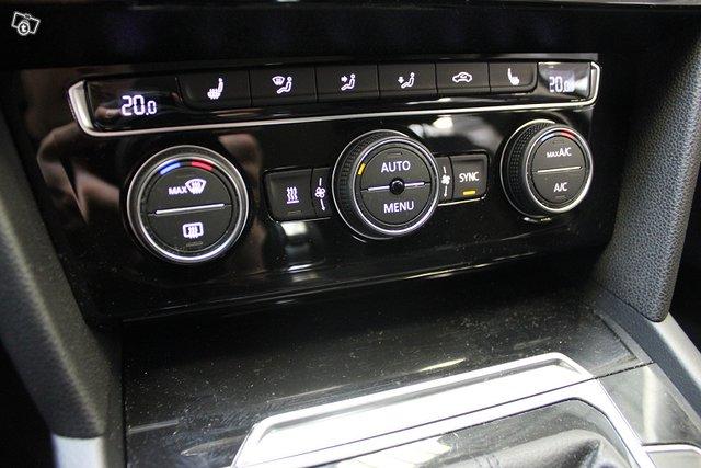 Volkswagen Passat 24