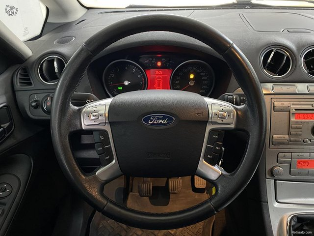 Ford S-MAX 15
