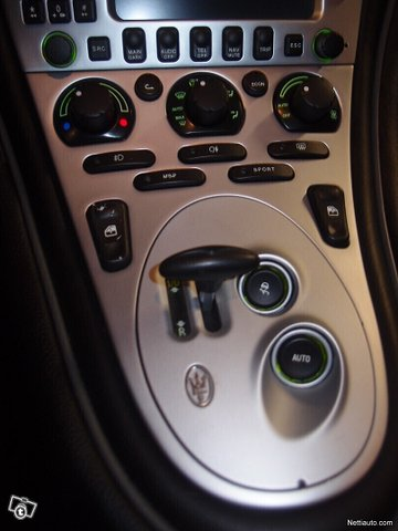 Maserati Coupe 11