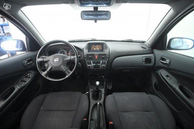 Nissan Almera 4