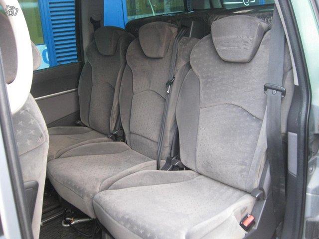 Peugeot 807 9