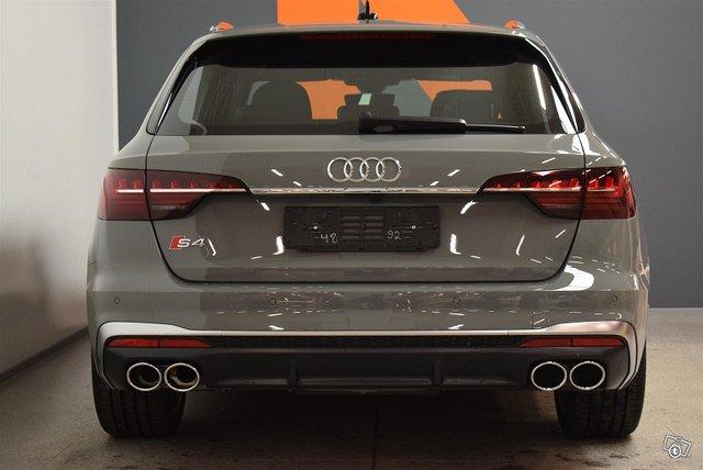 Audi S4 6