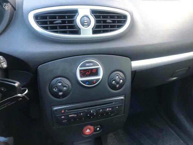 Renault Clio III 10