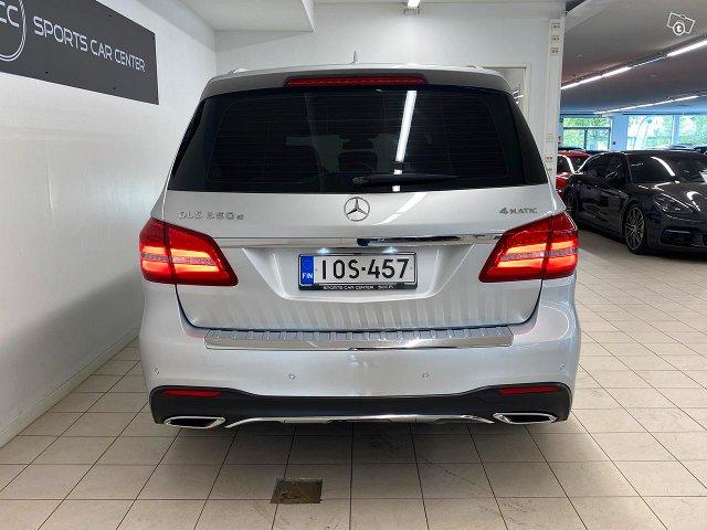 Mercedes-Benz GLS 8