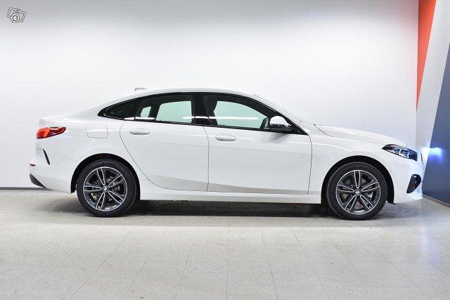BMW 218 6