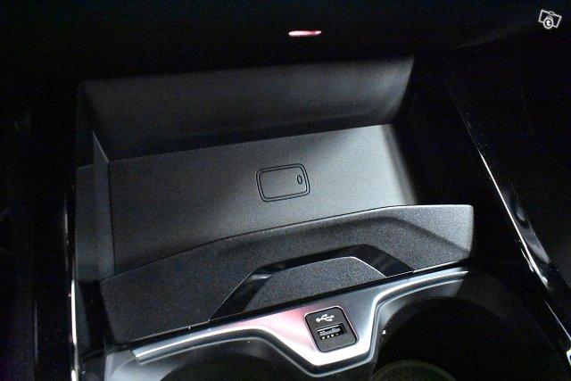 BMW 218 22