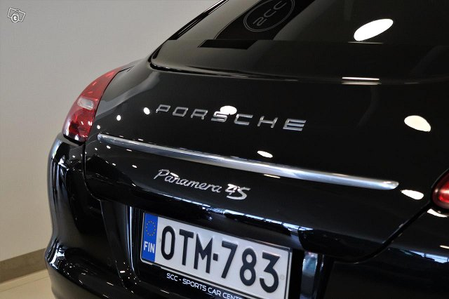 Porsche Panamera 19
