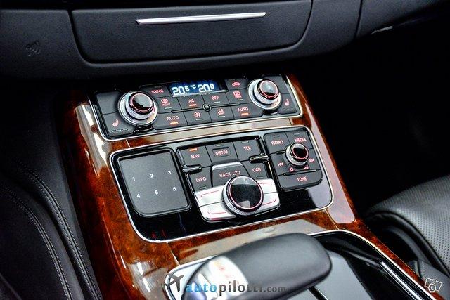 Audi A8 22