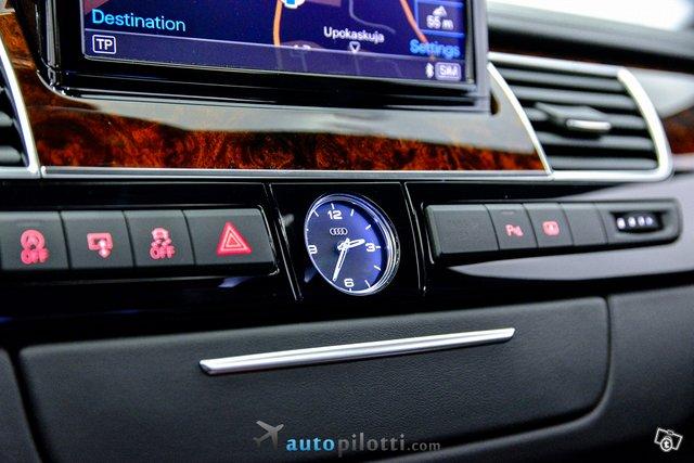 Audi A8 25