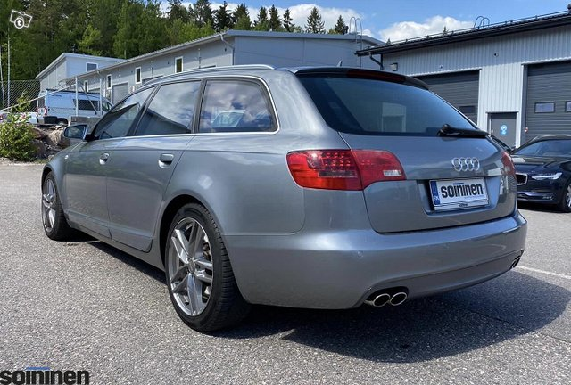 Audi S6 4