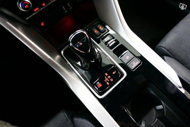 Mitsubishi ECLIPSE CROSS 15