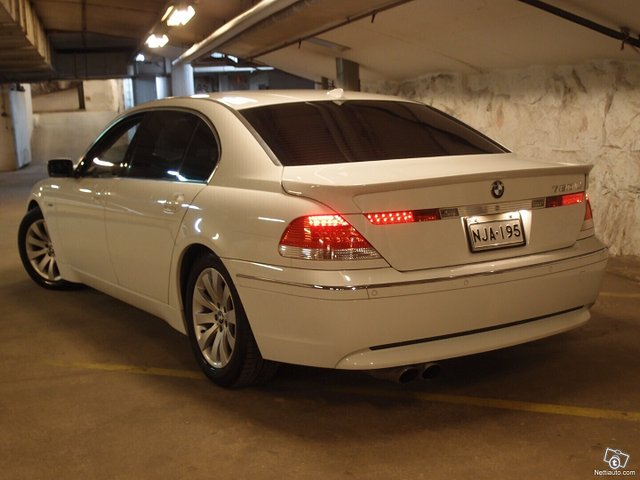 BMW 760 4