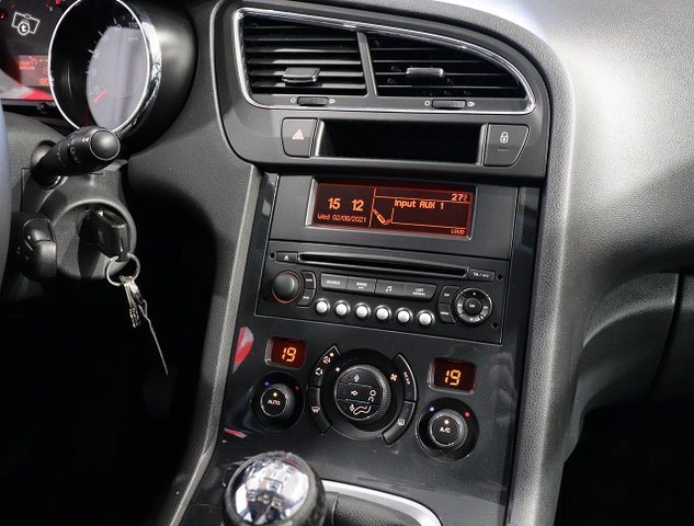 Peugeot 5008 11