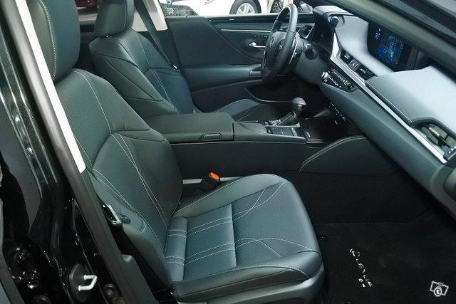 Lexus ES 4
