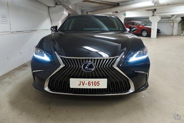 Lexus ES 18