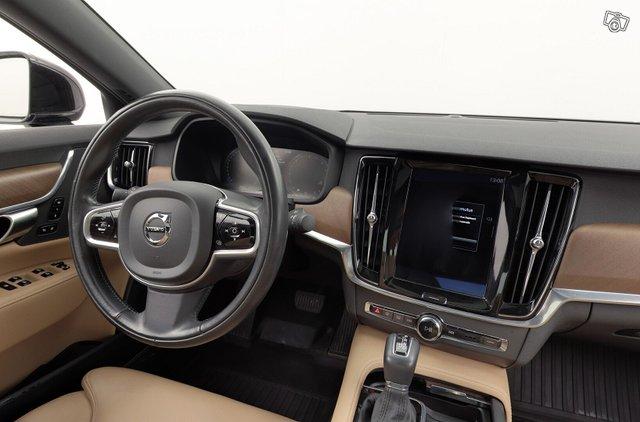 Volvo S90 10