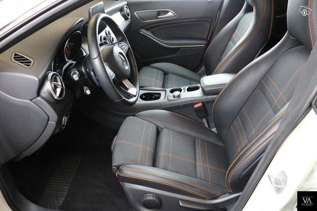 Mercedes-Benz CLA 5