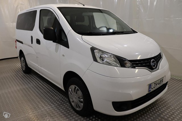 Nissan NV200 4
