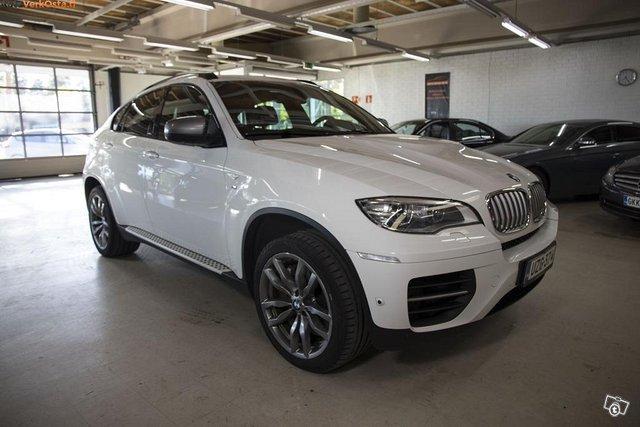 BMW X6 M50D 4