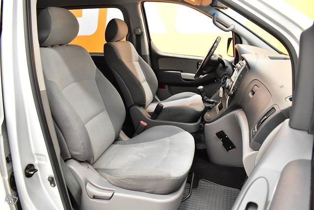 Hyundai H1 Van 9