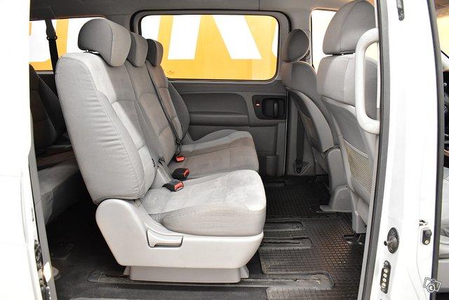 Hyundai H1 Van 10