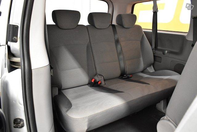 Hyundai H1 Van 11
