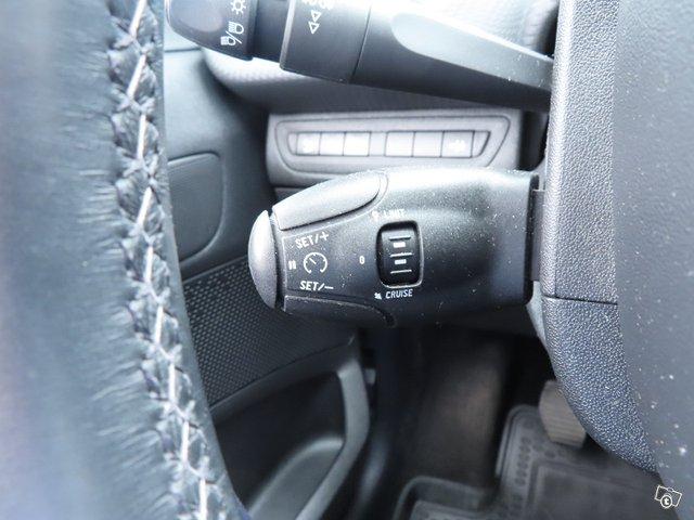 Peugeot 208 23